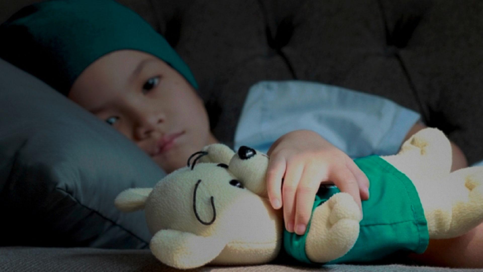 Quais síndromes genéticas podem aumentar o risco de câncer de uma criança